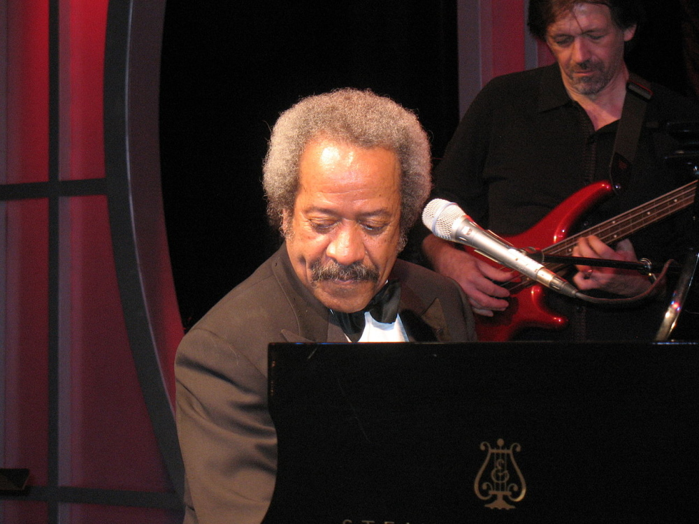 1280px-allen_toussaint_piano_roosevelt_looking_right